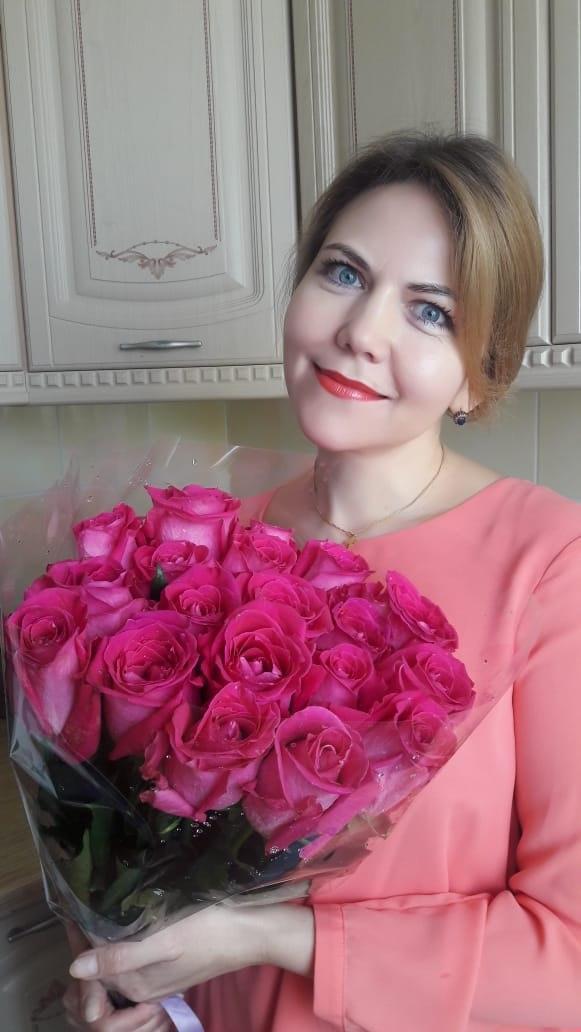 Светлана Климова из центра соцобслуживания «Жулебино» оказывает помощь больным коронавирусом