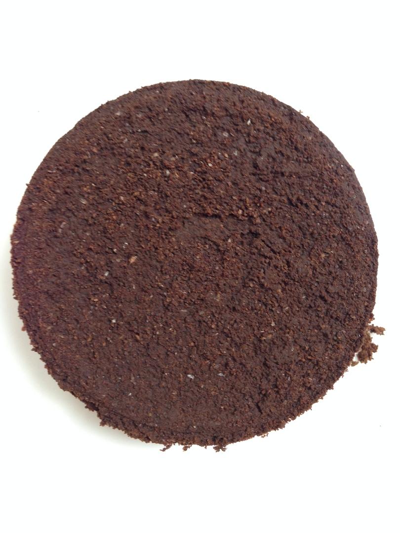 Фото кофейной таблетки, при правильной работе кофемашины