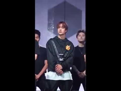 王一博 Wang Yibo 连震吹灰舞 康师傅冰红茶舞台直拍Master Kong Ice Tea Dance Video