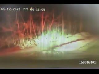 Появилось видео погони за пьяными подростками, которые избили женщину в Первомайском районе