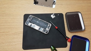 Logical repair of Apple iphone 5s Disassemble to fix corner and replace display touchscreen