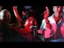 Марадона, его народ, его жена и дочки. Из д/ф Maradona by Kusturica. 2008.