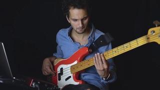 Bass Groove 4  [Sean Hurley Transcription]