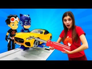 Toy Friend  Герои вМасках иРасти-Механик (Rusty Rivets) Динобот решил, что онКОТЕНОК! ToyClub