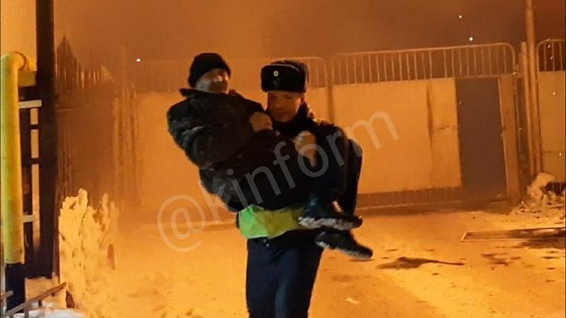 В Сургуте инспектор ДПС спас человека из пожара