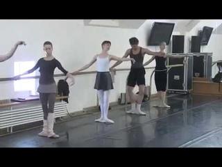 Ballet class, Nikolai Tsiskaridze. Teatro Bolshoi (2013).