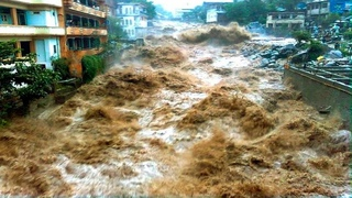 Urgent evacuation of people in Russia! The city of Sochi goes underwater after a terrible flood