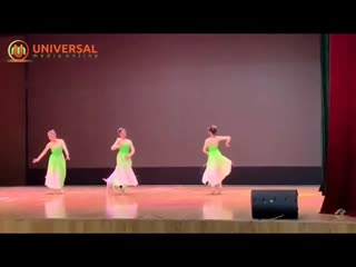 Бродячий пес из Китая выбежал на сцену и стал танцевальной звездой