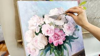 Как написать пионы в вазе. Натюрморт с белыми цветами. Сюжет с урока в студии Татьяны Букреевой.