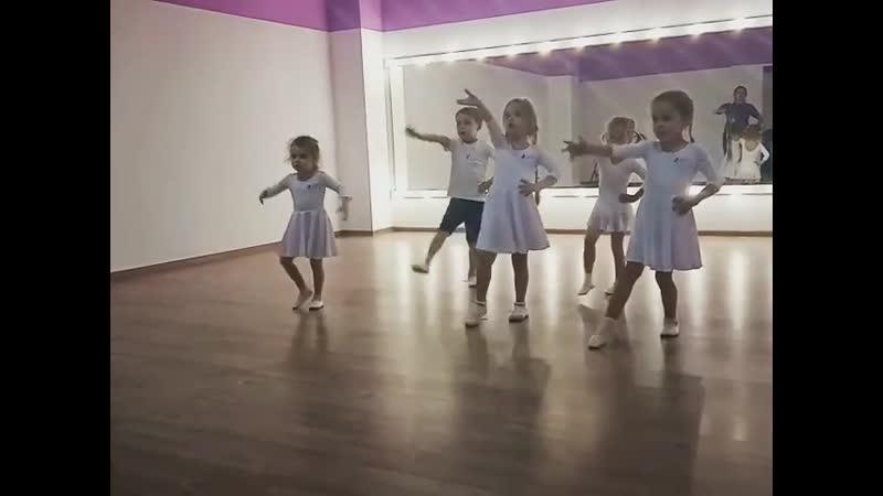 Рубрика репортаждетинапаркете 💜 @ maria ant s и её талантливые ученики группа 5 7 лет Здорово танцуют правда 😉⠀Хотите чт
