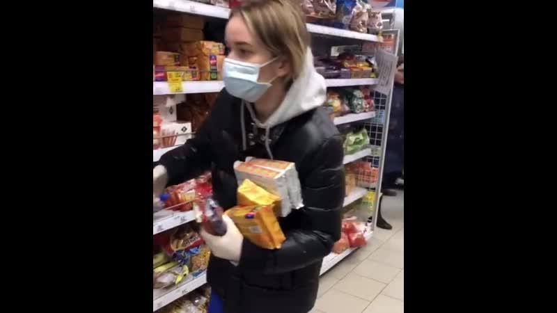 Елена Бушина показала как закупается в магазине в период эпидемии