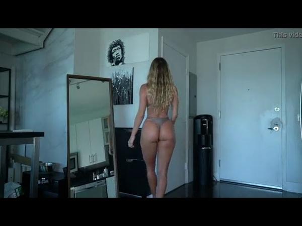 Sexy MILF Bikinis 2020 Hot Ass Model On Bikini 2020 Мамка показывает свои купальники