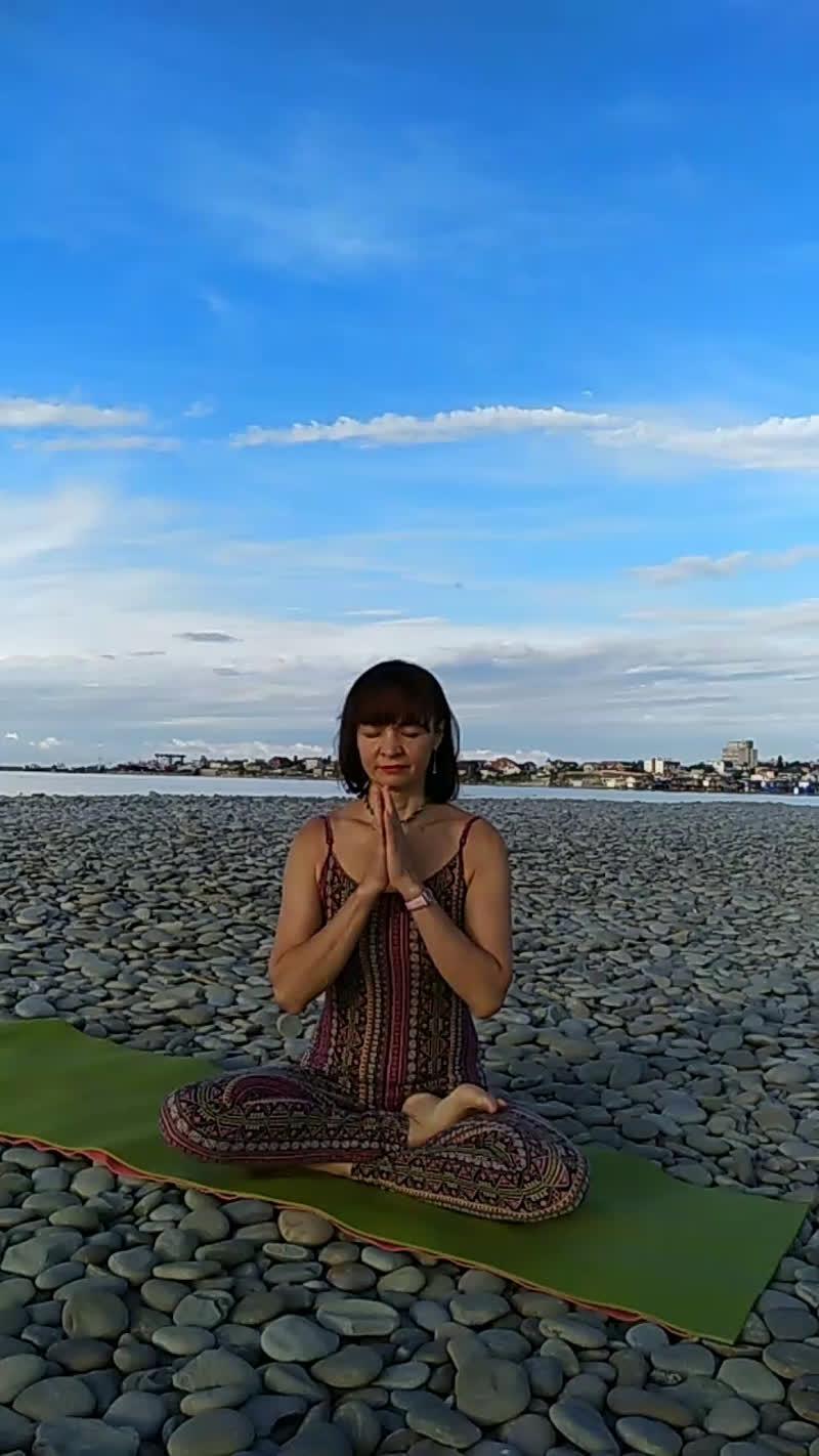 Утренняя практика хатха-йоги с Юлией Ереминой за данейшен.