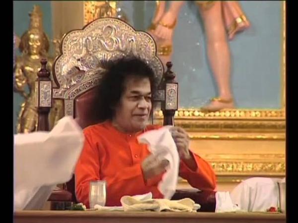 Рождение Лингама во время Празднования Махашиваратри в 2002 году