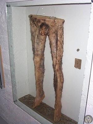 Древние исландские колдуны делали штаны из человеческой кожи  «некроштаны».