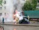 вот так гарел комаз на перекрёстке и было 2 пажарки и главное дома не пострадали