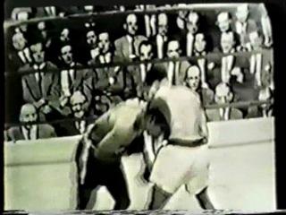 1951 02 21 Аrсhiе Мооrе vs Jimmу Вivins V