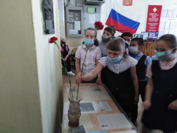 15 марта состоялось возложение цветов к барельефу А.Н.Арапова, к мемориалу...
