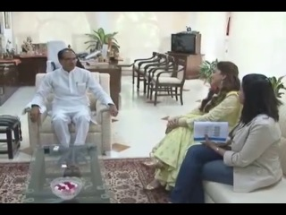 встреча Мадхури и министра штата Гуджарат кампания ЮНЕСКО
