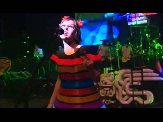 Blue Man Group feat. Venus Hum I Feel Love