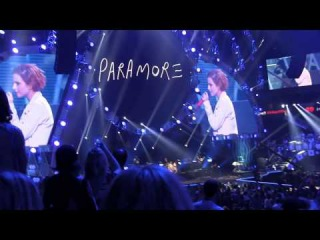 """Paramore- """"Misery Business"""" *Mariah Sings* (720p) Live @ the IHeartRadio Festival 2014"""