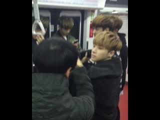 """(준회)'s on Instagram: """"160115 iKON spotted on a train. Lmao why are they taking the train😂😂😂 The staff said they also not sure why these boys took the…"""""""