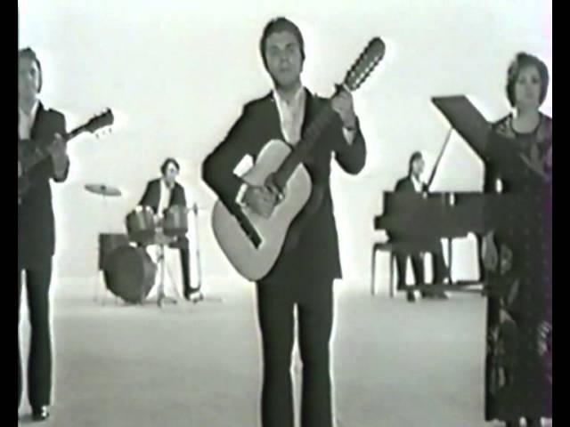 «До тебя два шага», музыка Эдуарда Кузинера, стихи Виктора Гина, поёт ансамбль «Поющие гитары»