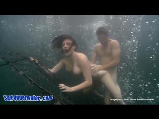 Трахнул суку в воде [blowjob,big tits,big ass,большая грудь,минет, басейн, вода, куни,красотка сосет член,большие сиськи,handj