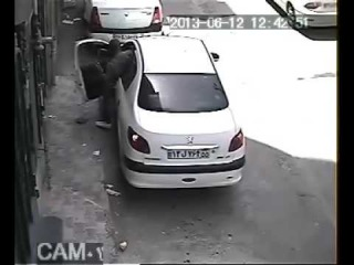 Shocking video - Why car & car stereo theft so easy