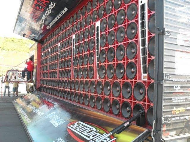 Carreta Treme Treme 192 falantes o maior som do mundo