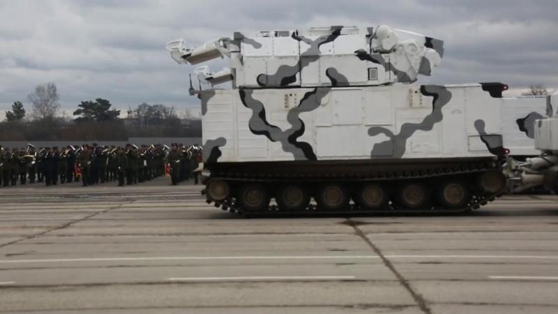 Podgotovka ekipazhey boevoy tekhniki k uchastiyu v Parade Pobedy