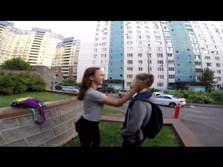 KISSING PRANK - ШКОЛЬНИК РАЗВОДИТ НА ПОЦЕЛУЙ - ЛЕГКО РАЗВЕЛ В 12 ЛЕТ!