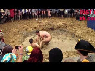 Mud wrestling germany/wales striptease член хуй голые nude cock penis стриптиз public