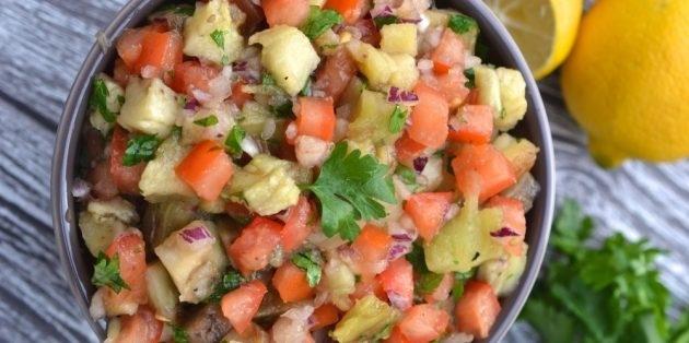 10 очень вкусных салатов со свежими помидорами, изображение №3