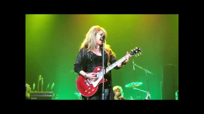 VIXEN REV IT UP HOW MUCH LOVE ONE NIGHT ALONE LIVE AT MOHEGAN SUN ARENA 10 6 17