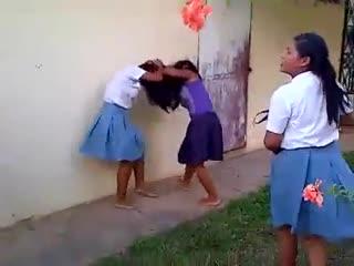 Vg wwe girls! digo, pelea en un colegio de panamá youtube