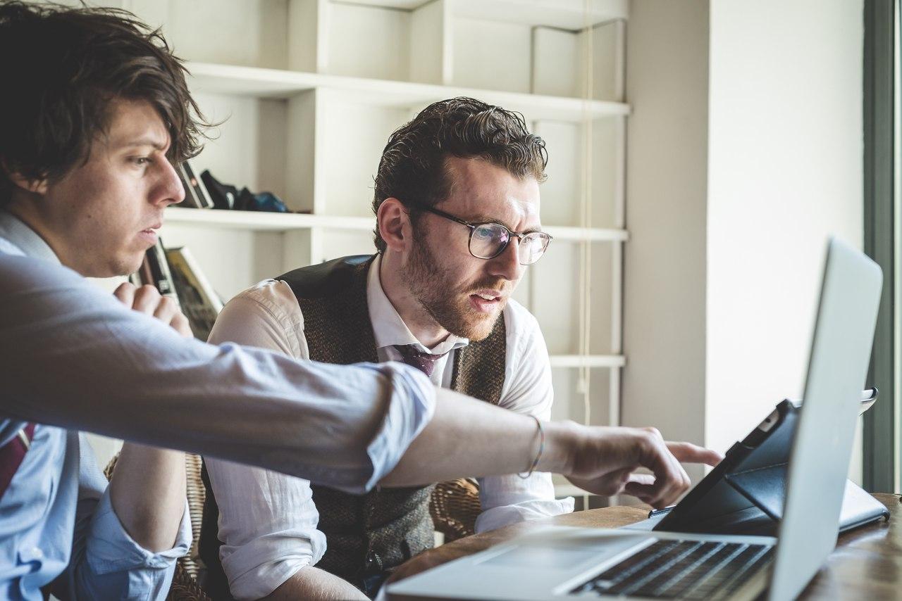 Freelance journalists найти работника фрилансера it