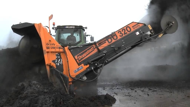 Doppstadt Windrow Turner DU 320 in operation I