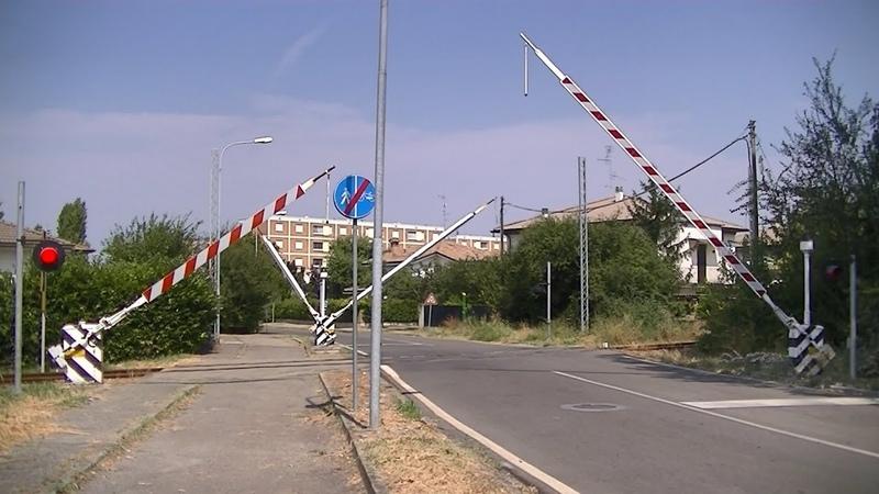 Spoorwegovergang Bagnolo In Piano (I) Railroad crossing Passaggio a livello