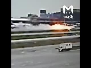 Почему в Шереметьево не удалось сразу потушить пожар
