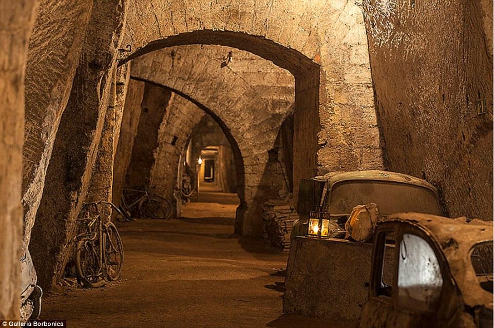 Подземный тоннель 1853 года, для эвакуации короля Фердинанда II Бурбона