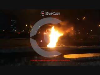 Столб с камерой загорелся на Щелковском шоссе в Москве