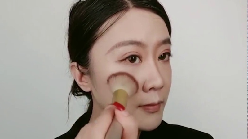 Crossdresser makeup with EYUNG Solid D cup breast form