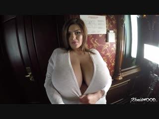 Xenia wood-personal cam boob sights (1080p)