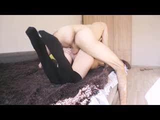 Накончал на её изящную спинку. сочная попка, шелковистые волосы. обожаю! порно_анал_porno_anal