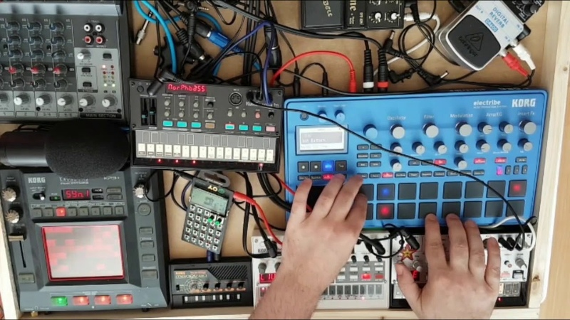 Korg Electribe 2,Volca Bass, Sample, FM, Monotron, KP3, Techno 6 DAWless live Jam