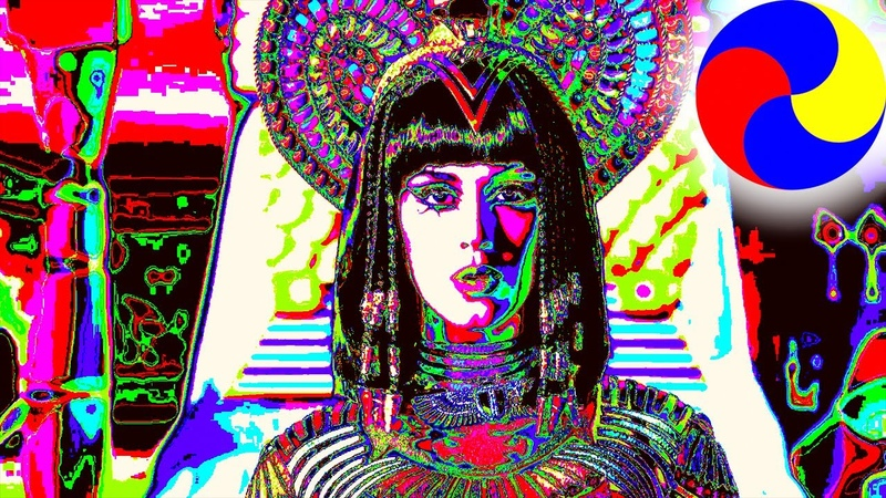 Katy Perry the most colored cutting of vivid images of Katy from her five clips MAXCOLOR MUSIC