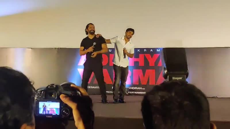 When Chiyaan Vikram asked Dhruv Vikram to perform a scene LIVE on stage - Adithya Varma Audio Launch
