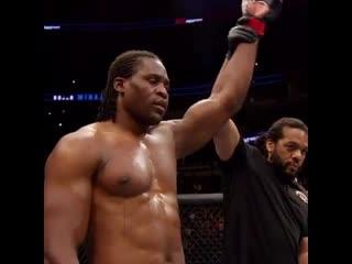 В преддверии UFC Fight Night. Нганну vs Дос Сантос