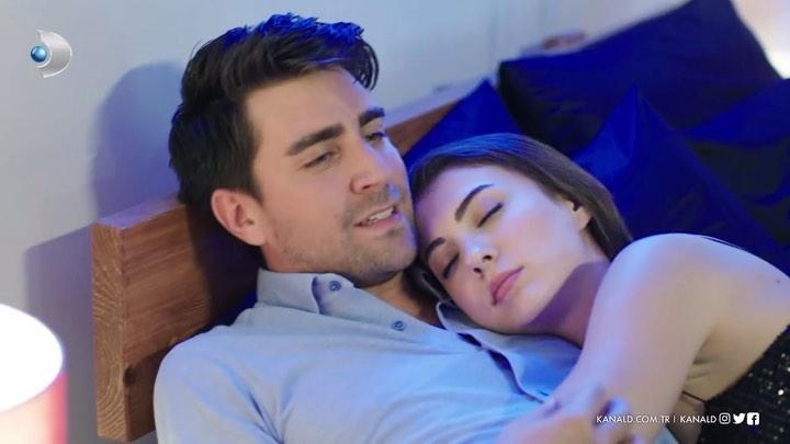 """Afili Aşk on Instagram """"Ayşe'nin tek isteği Kerem ile beraber uyumak.🥰 16.bölümden ön izlememiz sizlerle!🎉☺️ AfiliAşk AyKer @caglarertugrul @burcuozberk…"""""""